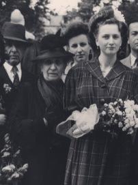 Mme d'Orléans et Mme Claire Joukhadar, la mère de S. Joukhadar. Paris 1943.