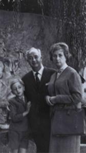 Suleiman Joukhadar avec ses parents à Paris, à l'âge de 7ans